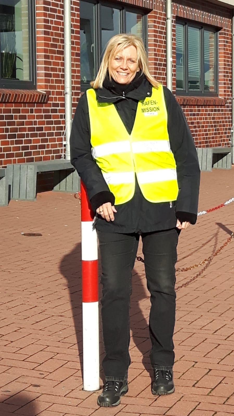 Ruth Weiß im Einsatz am Hafen von Norddeich
